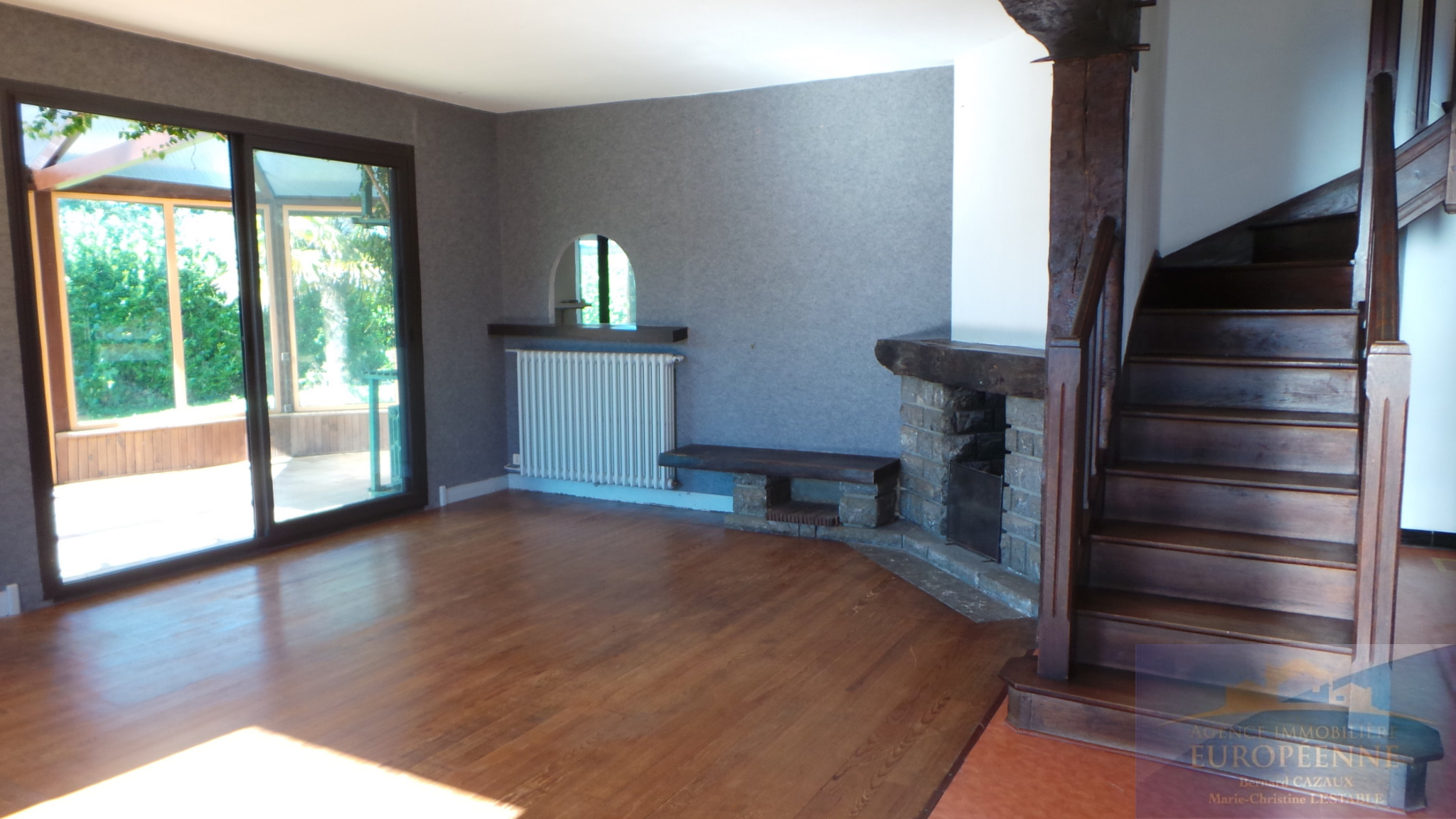 vente baisse de prix en plein coeur du village pontacquais cette maison familiale de 113m sur. Black Bedroom Furniture Sets. Home Design Ideas